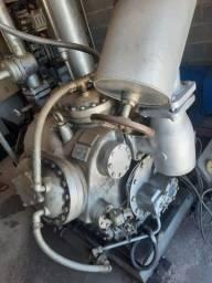 Título do anúncio: Máquina de gelo, 32 toneladas. Freon. Aproveite essa oportunidade.