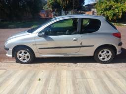 Peugeot 206 QuikSilver 1.0 Ano 2002