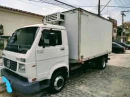 Título do anúncio: Caminhão Baú Refrigerado
