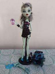 Boneca Monster High Frankie Stein Sweet 1600