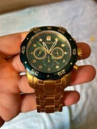 Título do anúncio: Relógio Invicta pro diver 80072 original banhando a ouro !
