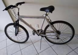 Título do anúncio: Bicicleta aro 26 em alumínio