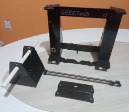 Estrutura em acrílico de uma Impressora 3D