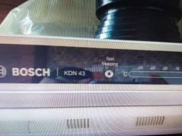 Título do anúncio: Geladeira Bosch.kdn43