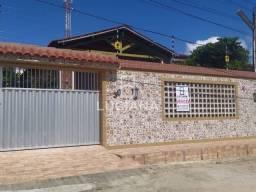 Casa Solta Com Boa Localização e Espaço Diferenciado (Cód. lc284)