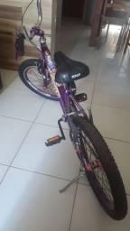 Bicicleta seme nova pra vende