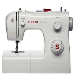 Título do anúncio: Maquina de costura singer automática