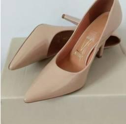 Sapato Feminino Salto Envernizado Scarpin Vizzano
