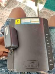 Modem e Roteador Wi-Fi Arris TG1692A-