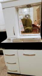 Armario para pia e espelho de banheiro