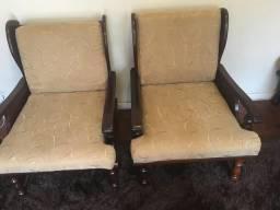 Sofá com poltronas recém reformado em madeira