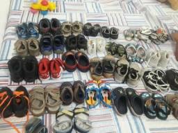 Mais de 26 pares de sapatos do 16 ate o 22
