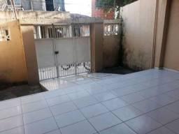 Casa com 3 Quartos à Venda em Simões Filho