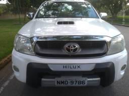Hilux Srv 3.0 Aut - 2011