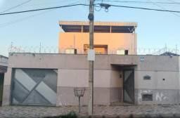 Casa de 3 quartos no bairro Planalto em Nova Serrana.