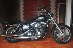 Harley-Davidson modelo Dyna super glide custom - 2011