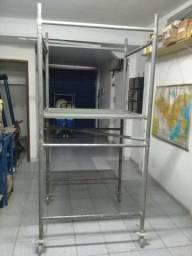 20 peças de andaime tubular 1,00 x 1,00 metro, pouco usado, com plataforma e rodízios