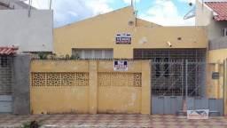 Casa com 4 dormitórios à venda, 160 m² por R$ 170.000,00 - Centro - Patos/PB