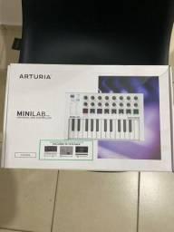 Controlador de MIDI Arturia Minilab