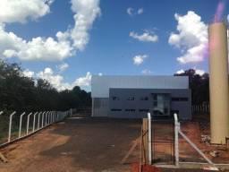 Alugo Galpão / Barracão Comercial na Rod. Rapozo Tavares