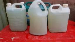 Sabão líquido caseiro