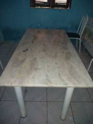 Mesa e o suporte