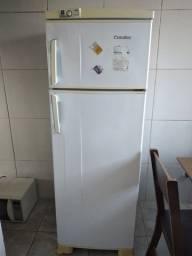 Geladeira Esmaltec 2 portas (230,00)