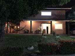 Casa duplex 4/4 na Av Luiz Tarquinio