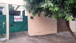 Título do anúncio: Casa individual Guanandi, 2 quartos, sala, cozinha, banheiro e varanda. Forrada