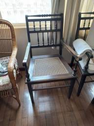 Título do anúncio: Cadeiras amtigas