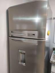 Título do anúncio: Vendo geladeira Electrolux (leia o anúncio)