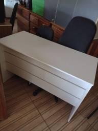 Título do anúncio: Mesa branca para escritório