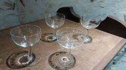 Taças de cristal antigas