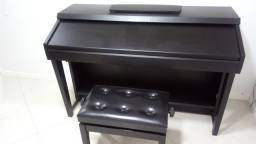 Piano Yamaha - CVP-601 - Novíssimo!!!