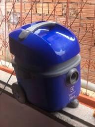 Aspirador de Pó e Água 1400W Flex Electrolux