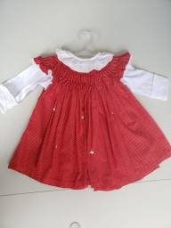 Vendo 3 vestidos para bebê tamanho P (veste do 0 a 6 meses)