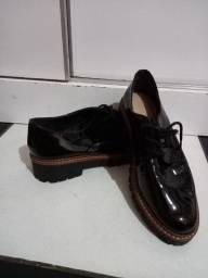 Título do anúncio: Sapato usado pouco tempo