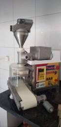 Título do anúncio: Máquina de Fazer Salgados MCI PRATIC