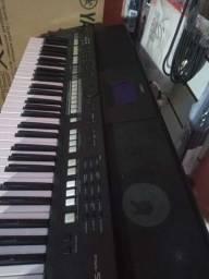 teclado  s 650 em perfeito estado + sample gratis