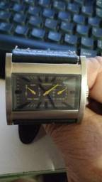 Relógio antigo  técnico