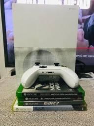 Título do anúncio: Xbox one s semi novo (com lacre original intacto)