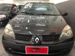 Título do anúncio: Renault Clio 2004 Hatch 1.6 Completo A/C Trocas , *Parcelas de R$499,00