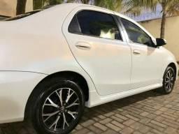 Toyota Etios Platinum 2017/2018 - 2017