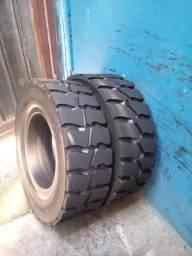 Dois pneus ST3000 700x12 maciços para empilhadeiras