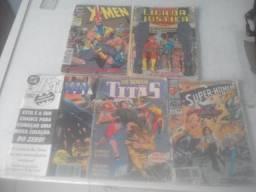 Revistas em quadrinho de super herois