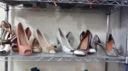 Sapatos Femininos usados seminovos de 1° linha Excelente qualidade sem defeito