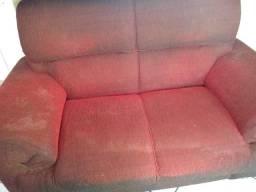 Vendo sofá de três e dois lugares