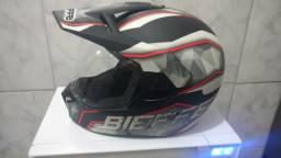 Vendo capacete Bieffen(n.60) de 370 por 300 reais pouquíssimo usado