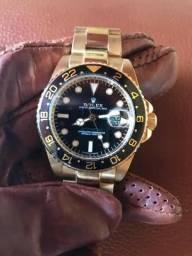 134e99cd515 Relógio Rolex Submariner preto e dourado