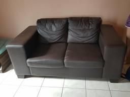 Sofá em couro 1,58 por 68 cm